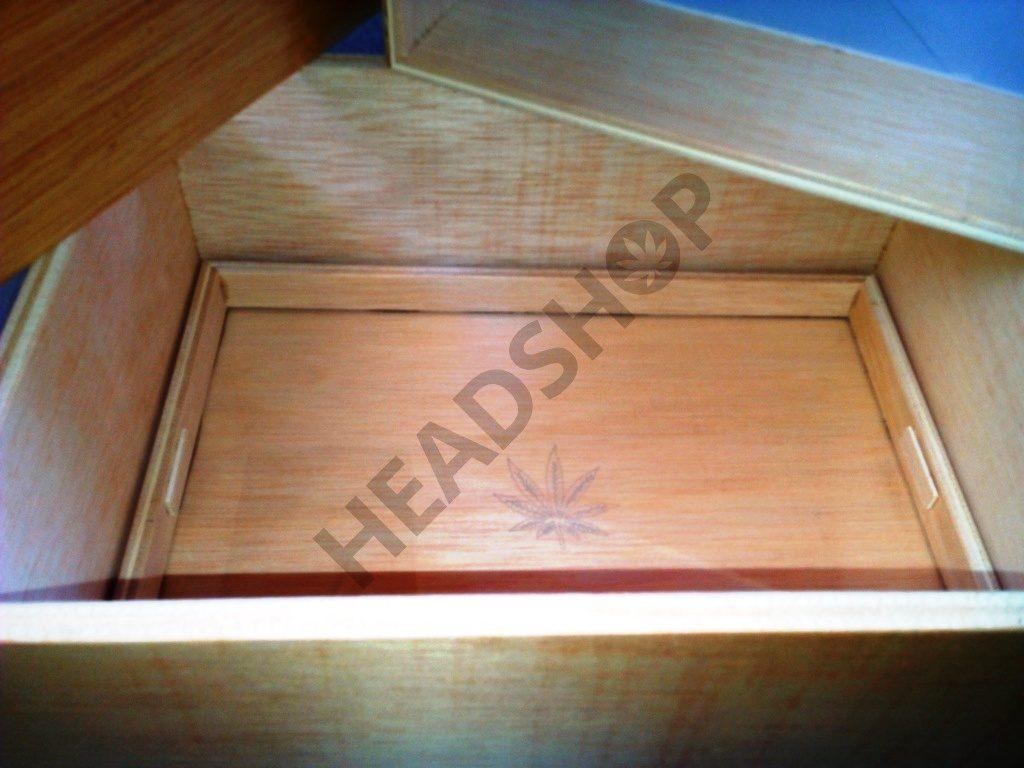 Cristal de la caja Jaizkibel donde se recojen los tricomas